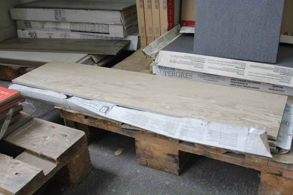 Produits stock s aaa carrelages for Carrelage 90x90 gris clair